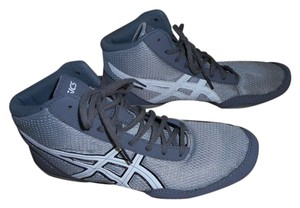 Asics Gym Lace Martial Arts Silver/gray w/white, black & gray trim Athletic