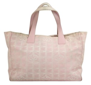 Chanel Cc Leather Neverfull Tote in Pink
