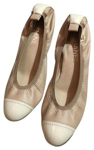 Chanel Two Tone Heel Beige/cream Nude/Cream Pumps