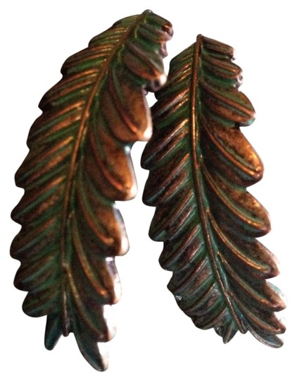 Urban Outfitters Urban Outfitters Green/brass Leaf Curve Earrings