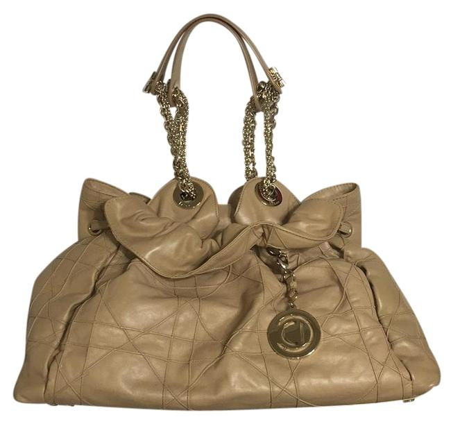 Item - Christian Cannage Le Trente Tan/Nude Patent Leather Tote
