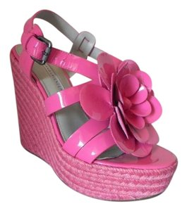 Vera Wang Lavender Label Pink Wedges