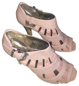 Vince Camuto Pale pink Sandals