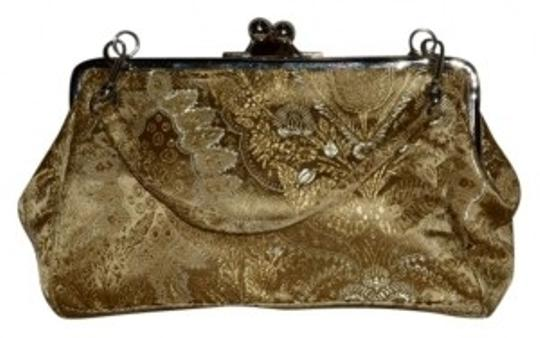 Preload https://item1.tradesy.com/images/jaclyn-smith-holiday-purse-gold-satin-clutch-16125-0-0.jpg?width=440&height=440