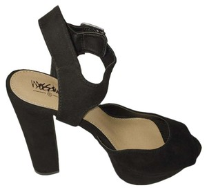 Mossimo Supply Co. Adjustable Strap Chunky Heels Open Toe Ankle Strap Black Sandals