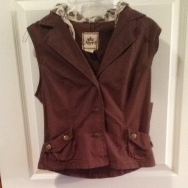 Preload https://item5.tradesy.com/images/brown-vest-size-8-m-1612844-0-0.jpg?width=400&height=650