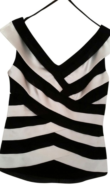 Preload https://item3.tradesy.com/images/xscape-black-and-white-night-out-top-size-4-s-1612882-0-0.jpg?width=400&height=650