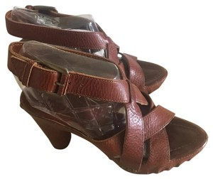 Frye Chesnut brown Sandals