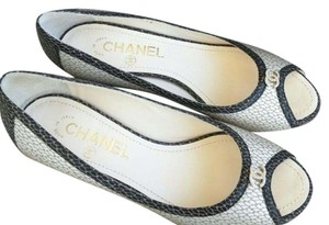 Chanel Kitten Heels Cc Pearl Pumps