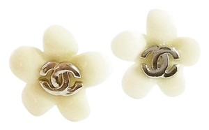Chanel Authentic Chanel CC Ivory Resin Flower Piercing Earrings