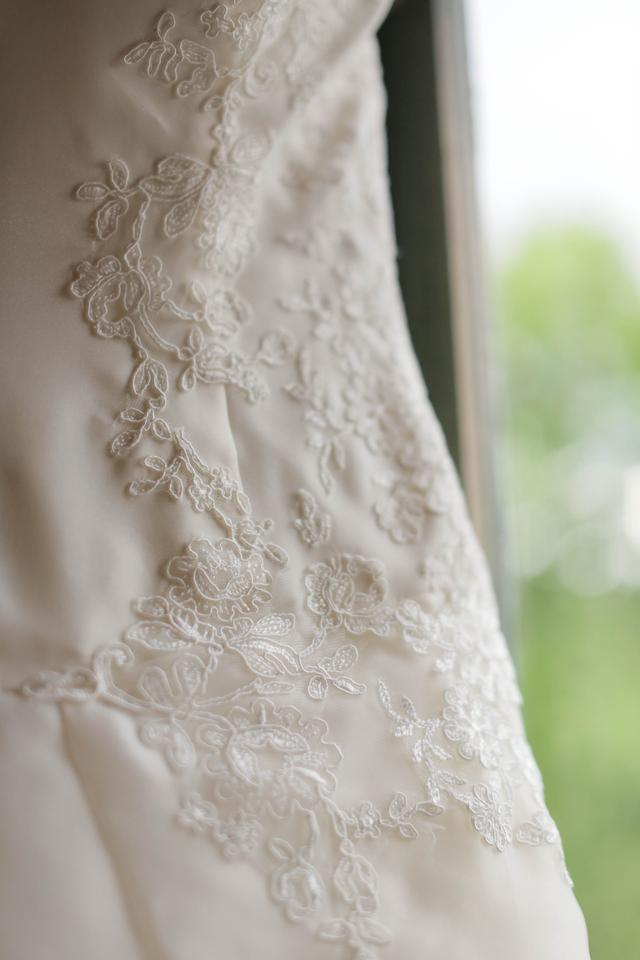 Vera wang wedding dress on sale 58 off wedding dresses for Vera wang wedding dress for sale