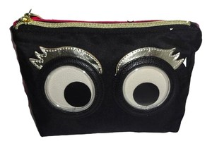 Betsey Johnson GOOGLY MOOGLY BLACK/FUCHSIA COSMETIC CASE