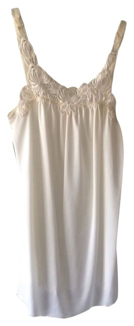 Preload https://item4.tradesy.com/images/sparkle-and-fade-cream-tank-topcami-size-4-s-1613843-0-0.jpg?width=400&height=650