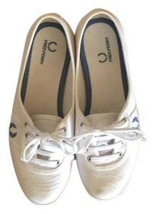 Fred Perry White Flats