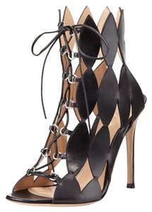 Gianvito Rossi Leather Cutout Kardashian High black Pumps
