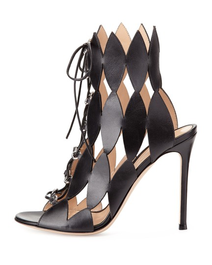 Gianvito Rossi Leather Cutout Kardashian High black Pumps Image 8