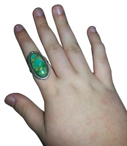 9.2.5 Vintage Green Turquoise Estate Ring