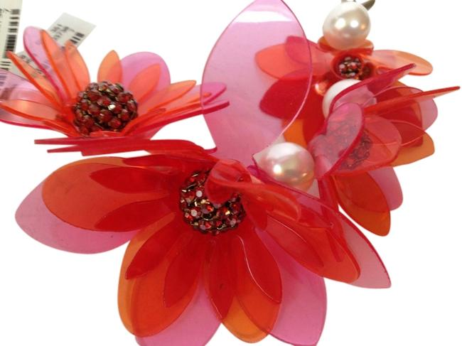 Item - Pink and Red Crystal Faux Pearl Flower Bracelet