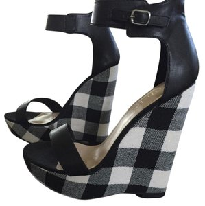 ShoeDazzle Black/white Wedges