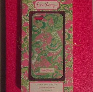 "Lilly Pulitzer Lilly Pulitzer iPhone 5s 5c Case in ""Chin Chin"""