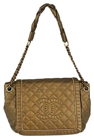 Preload https://item4.tradesy.com/images/chanel-classic-flap-gold-quilted-leather-istanbul-shoulder-bag-1615493-0-0.jpg?width=440&height=440