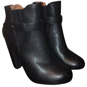 Dollhouse Ankle Closed-toe Black Boots