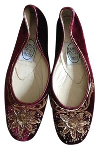 Emma Hope Burgundy and gold Flats