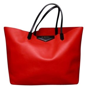 Givenchy Leather Large Antigona Tote in Red