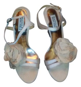 Badgley Mischka Cream Sandals