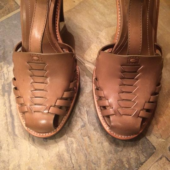 Tod's Tan Leather Sandals