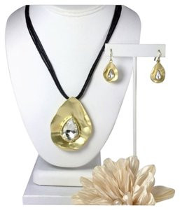 Aclassycloset4u Chic Necklace & Earrings