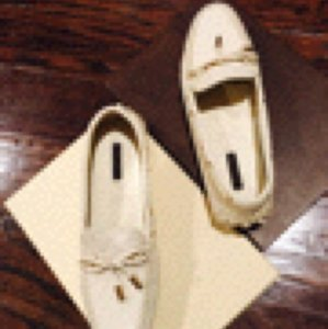 Louis Vuitton Cream.. Flats
