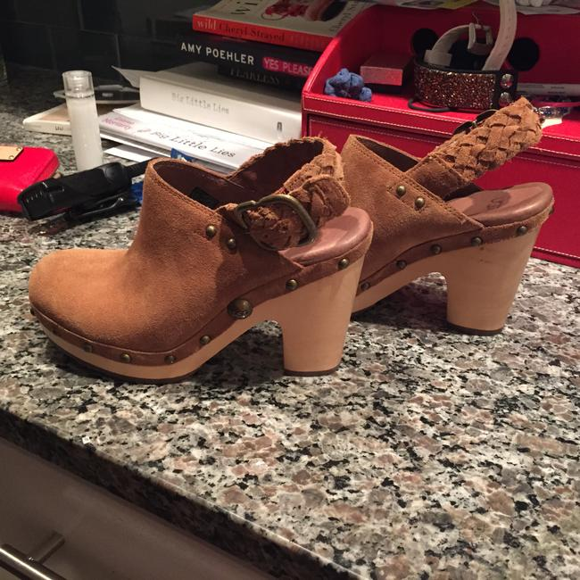 Item - Camel Mules/Slides Size US 6 Regular (M, B)