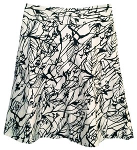 The Limited White A-line Floral Skirt Black & Off-White