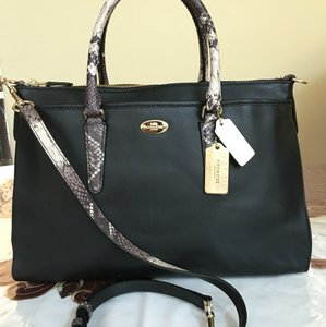 Coach Satchel in Black/Ivory