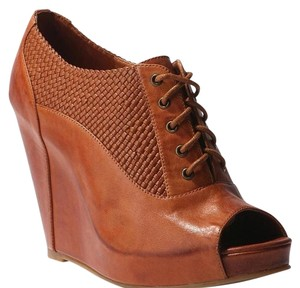 Cooperative Tan Wedges