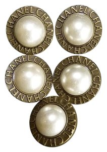 Chanel CHANEL FAUX PEARL BRASS FIVE BUTTONS