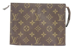 Louis Vuitton Make Up Pouch LVTY22