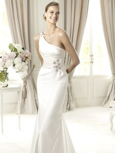 Pronovias Ugarte Wedding Dress