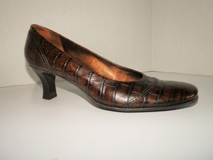Franco Sarto Crocodile Leather Wood Heel Chunky Brown Pumps