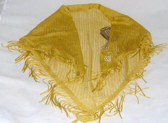 Nordstrom NWT Nordstrom Triangle ITALIAN Gold Crochet Scarf wrap with Fringe