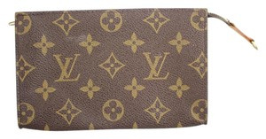 Louis Vuitton Monogram Cosmetic Pouch LVCAV11