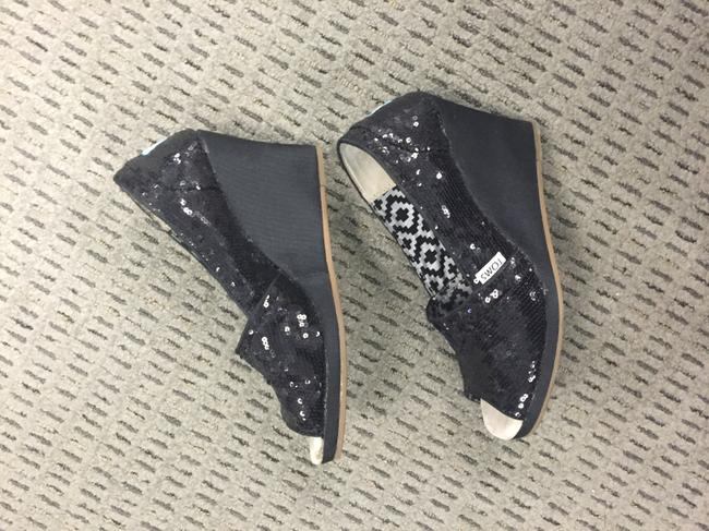 Item - Black with Sequins Women's Wedges Size US 6.5 Wide (C, D)