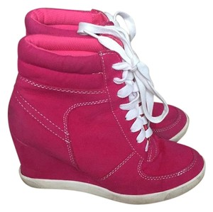 No Doubt Pink, White Wedges