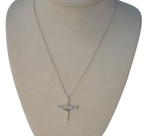 Tiffany & Co. ELSA PERETTI(R) INFINITY CROSS PENDANT large size, with 18