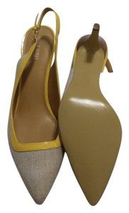 Nine West Linen Look tan with yellow accent Pumps