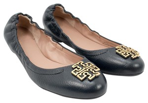 Tory Burch 30432 Tory Navy/Gold Flats