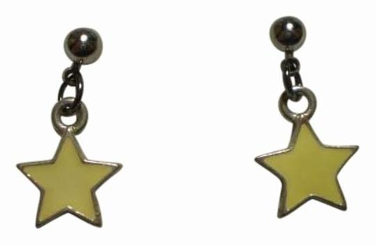 Preload https://item3.tradesy.com/images/new-yellow-star-earrings-161772-0-0.jpg?width=440&height=440