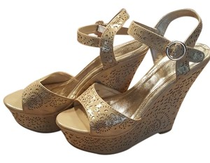 & Other Stories Gold Wedges