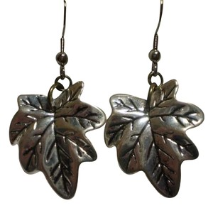 Handmade New Silvertone leaf earrings